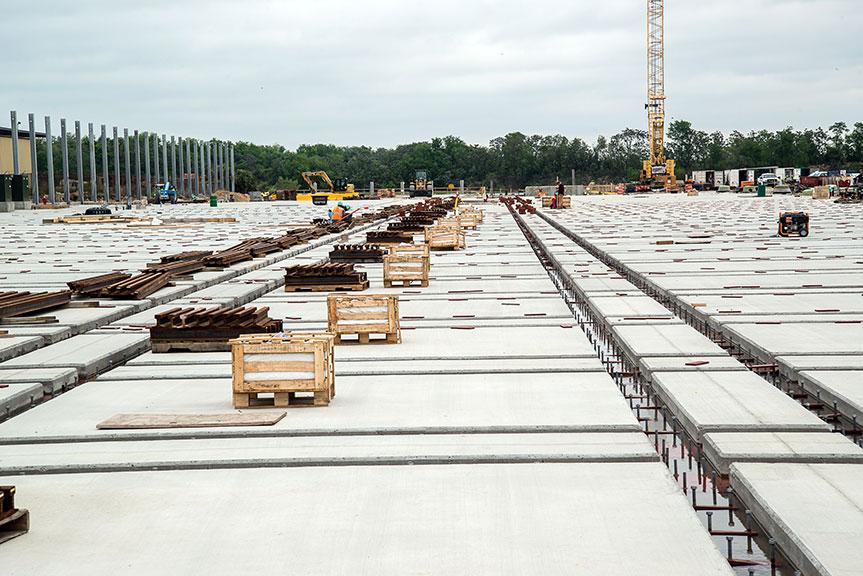 Shiplift and Rail Transfer System
